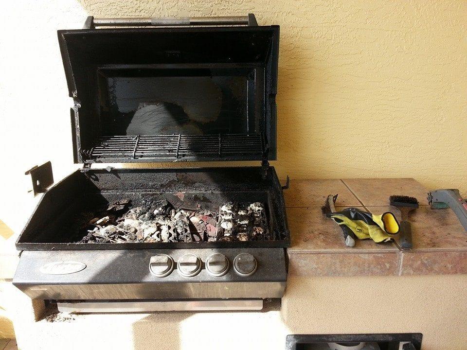 Old broken BBQ Grill
