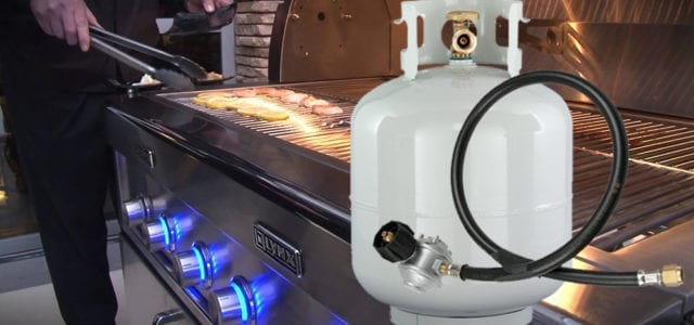 Image of a LYNX Grill and Propane tank with a LYNX Regulator