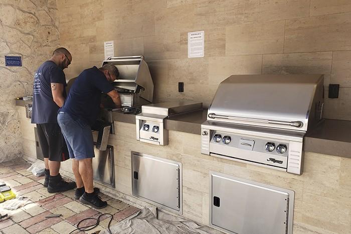 bbq grill repair by grill tanks plus